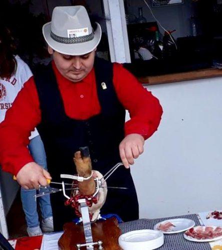 Cortador de jamón en jujuju aquacenter de benissa - costa blanca