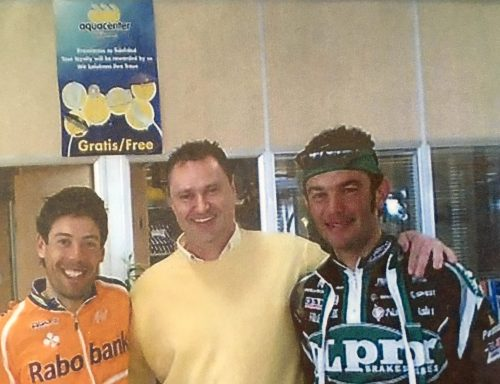 Oscar Freire con Daniele Nardello en JuJuJu Aquacenter de Benissa