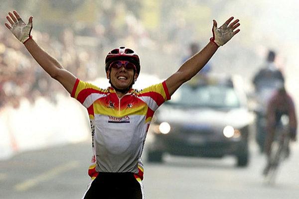 """¿Sabía que nos visitó el Tri-Campeón mundial de ciclismo """"Oscar Freire"""" en JuJuJu Aquacenter ?"""