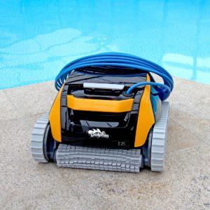 Pool robot in jujuju aquacenter benissa