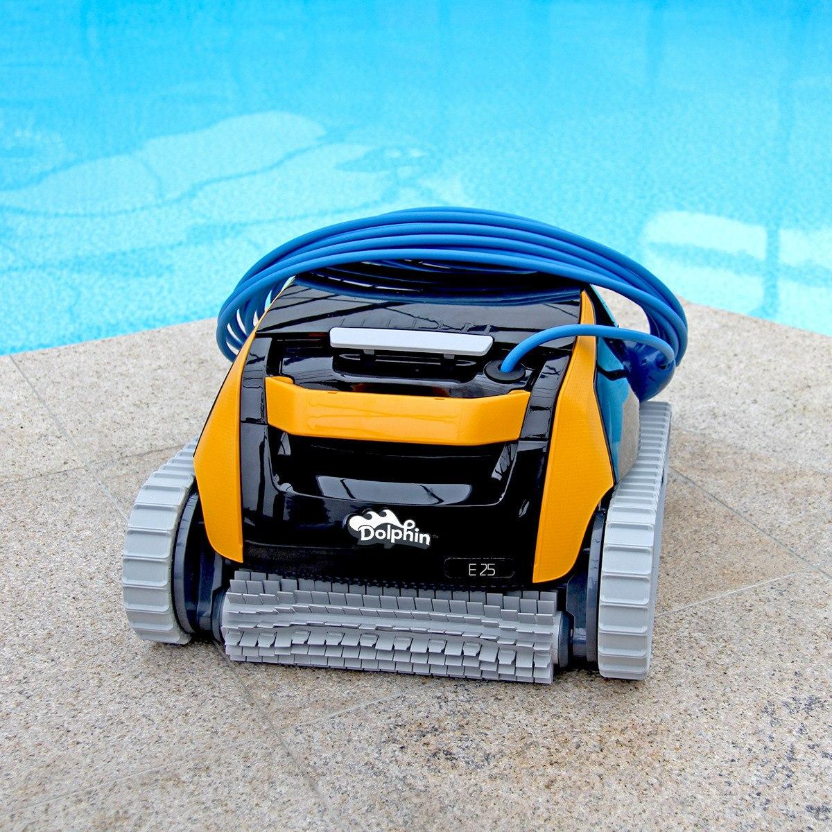 Pool robot Dolphin en jujuju aquacenter benissa