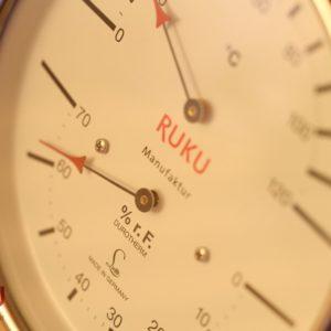 reloj de sauna en jujuju aquacenter benissa