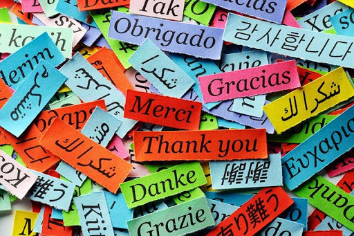 We speak your language – Wir sprechen Ihre Sprache – Hablamos tu idioma