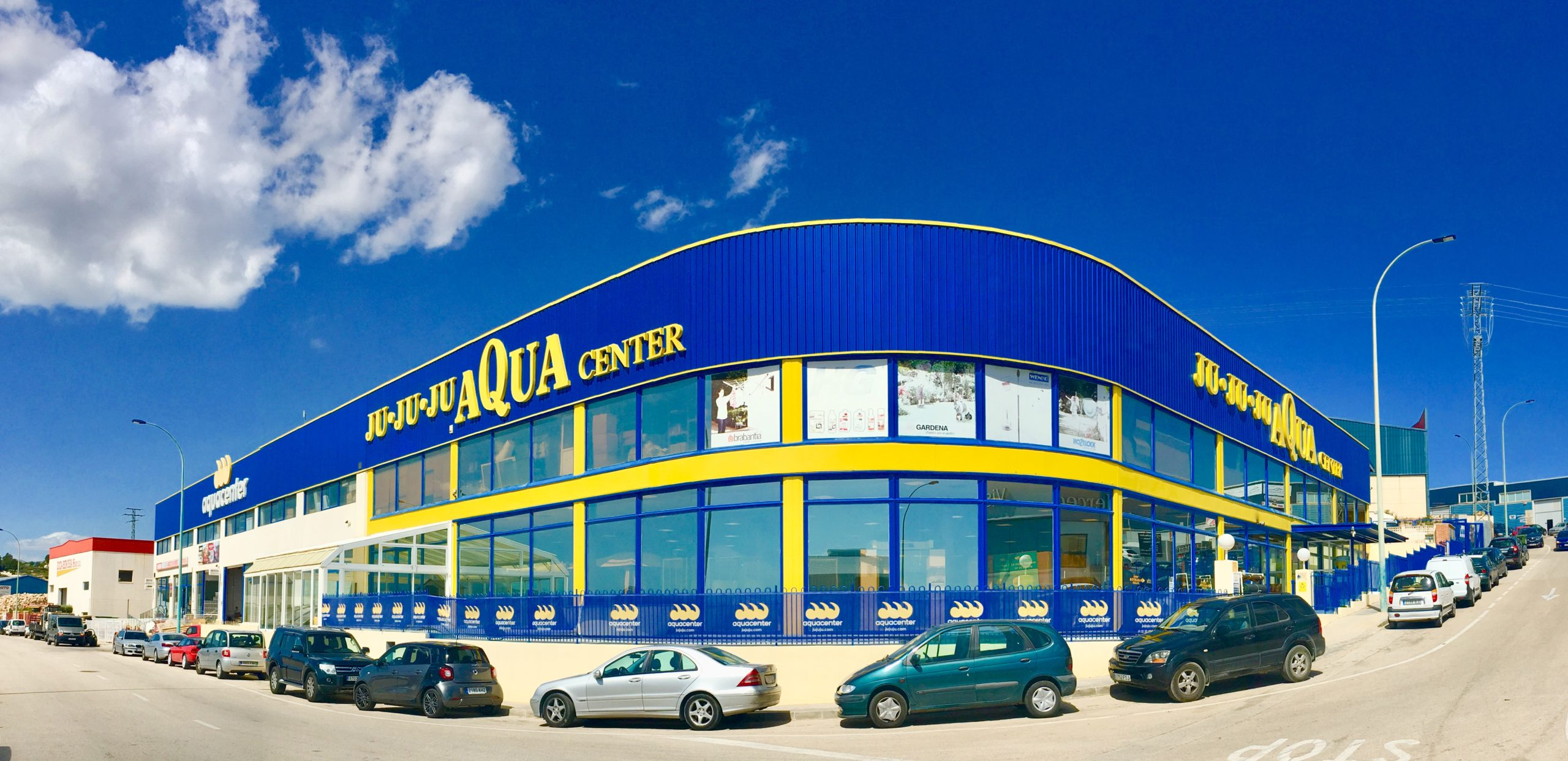 JuJuJu Aquacenter en el Poligono Industrial de Benissa - Todo para la piscina, wellness, spas, tratamiento de agua, jardín, calefaccion, aire acondicionado y fontanería