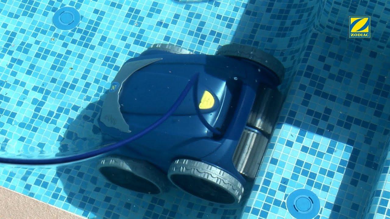 Limpiafondos pool robot de zodiac en JuJuJu Aquacenter benissa calpe javea denia altea benidorm albir teulada